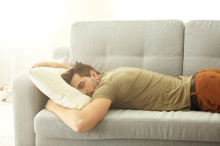 Pour faire plaisir à un père, laissez-lui faire la sieste.