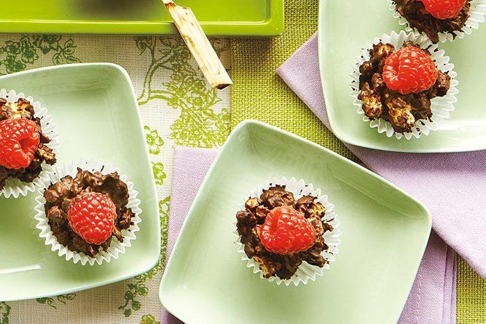 Recette de coupes granola choco-framboises.