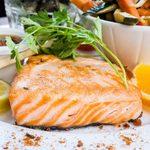 Filets de saumon froids, pochés en court-bouillon