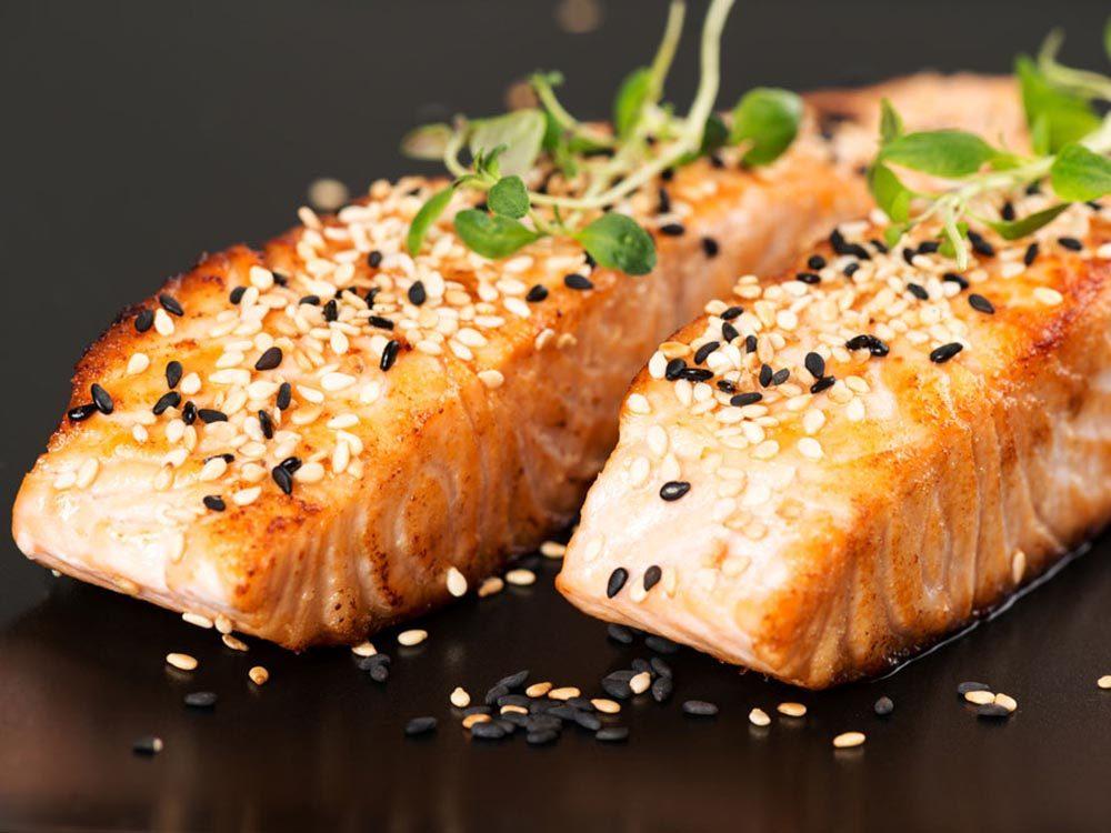 Recettes méditerranéennes à essayer: le saumon.