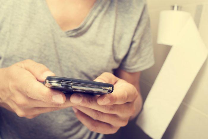 Si votre téléphone est trop vieux, il se peut que votre batterie se vide rapidement.