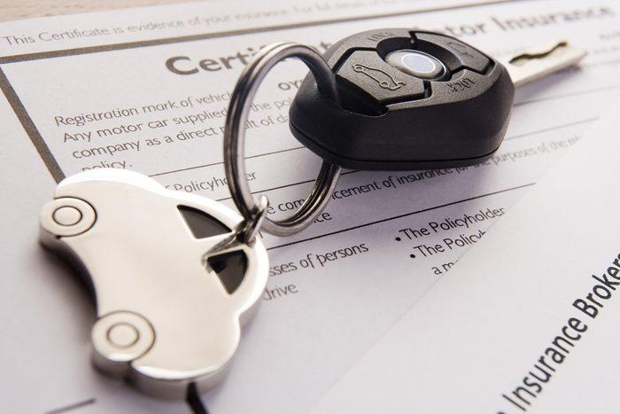 Vous devez absolument conserver dans votre boîte à gants votre certificat d'assurance.