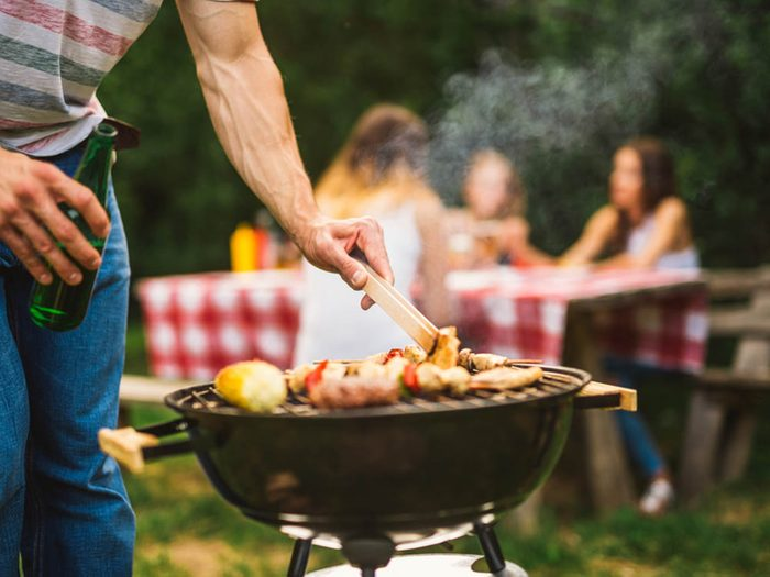 Truc pour le barbecue: repérez les points de cuisson.