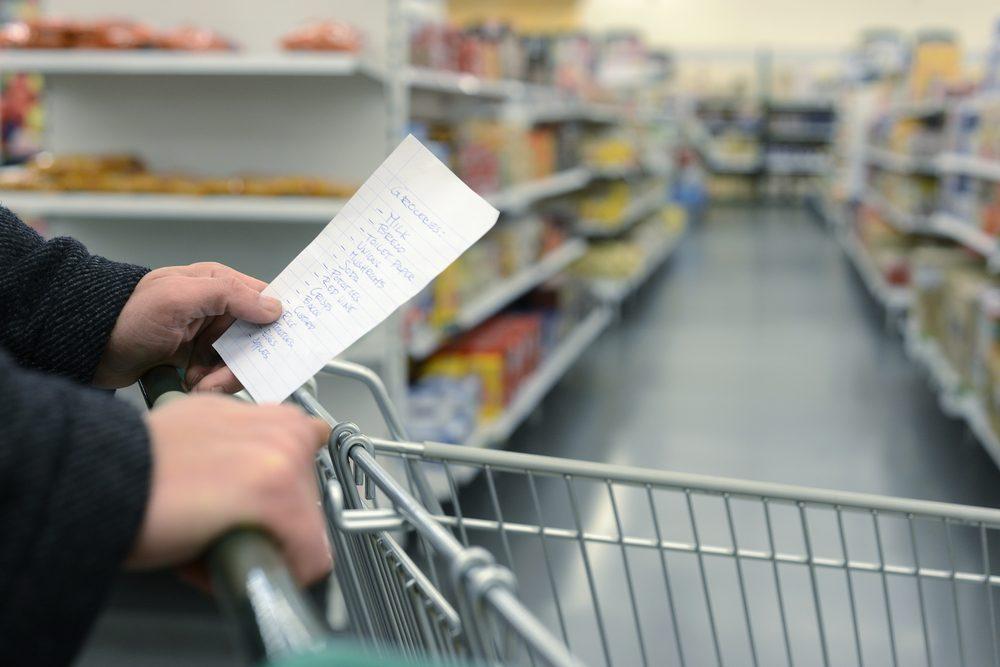 Le consommateur moyen a tendance à retenir le prix de seulement quatre articles
