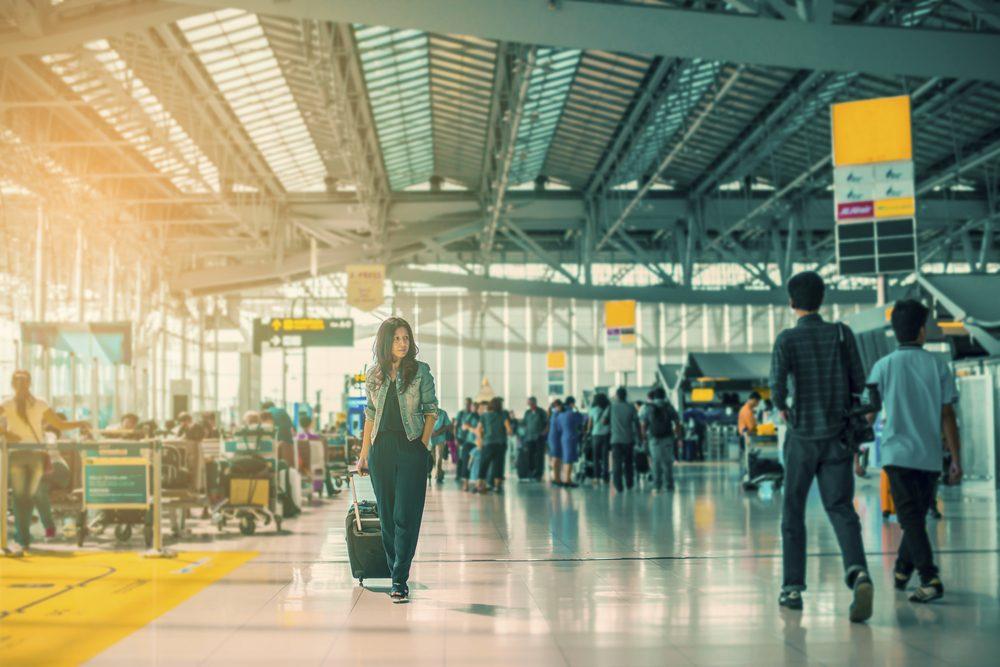 Explorez l'aéroport pendant votre escale.