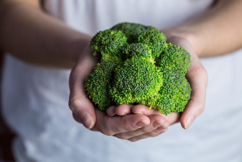 Ce légume miracle activerait la réparation et le renouvellement des tissus cérébraux et les recherches suggèrent qu'il améliore les fonctions cognitives.