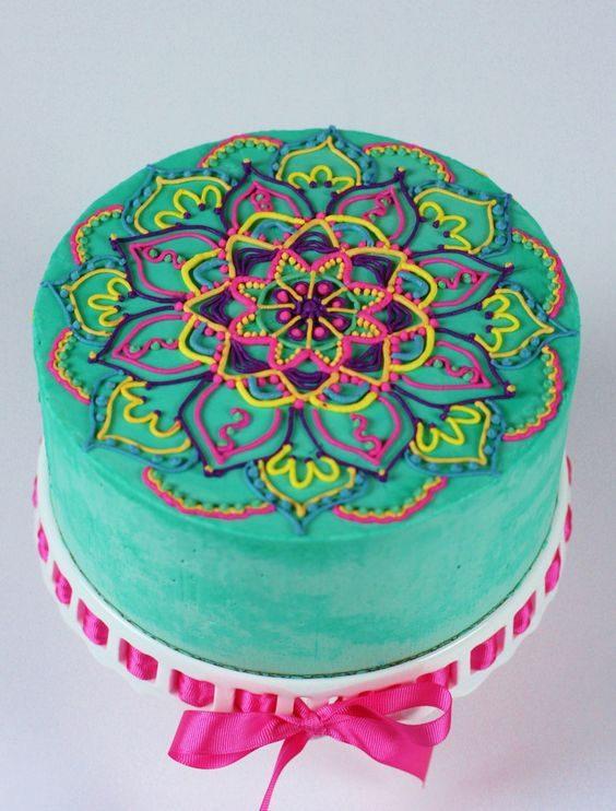Apprenez à faire ce gâteau aux allures de mandalas.