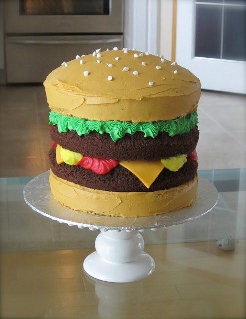 Apprenez à faire ce gâteau aux allures de burger.