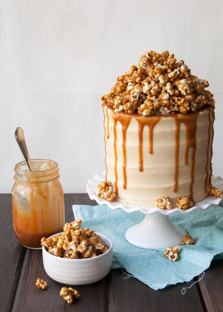 Apprenez à faire cette recette de gâteau au pop-corn.