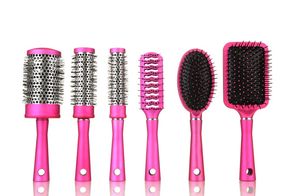 Utilisez une brosse de qualité pour sécher vos cheveux.