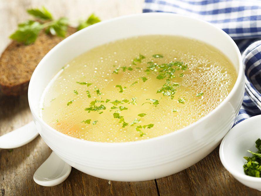 Les soupes de poulet peuvent contenir du gallate de propyle.