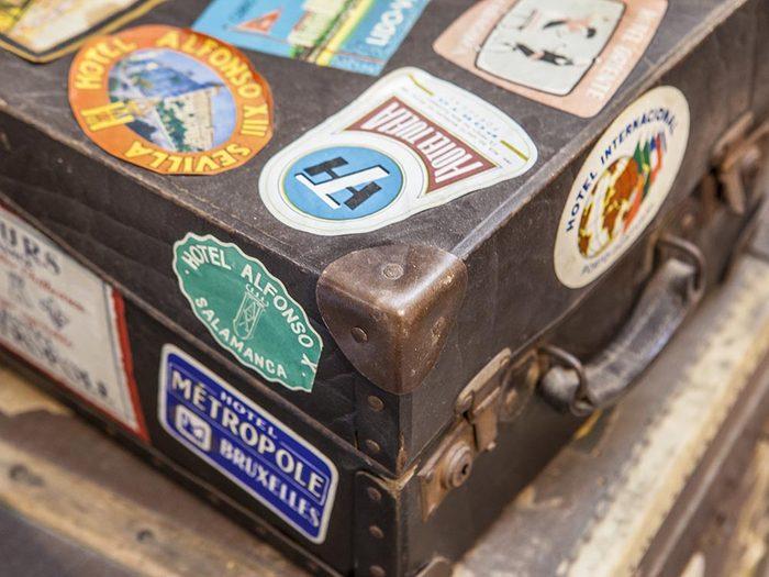 Aéroport: rendez votre bagage unique.