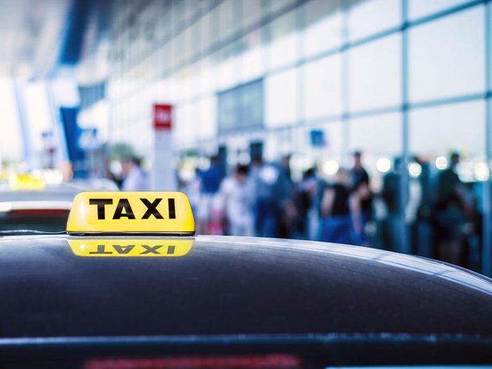 Planifiez votre transport à l'aéroport.