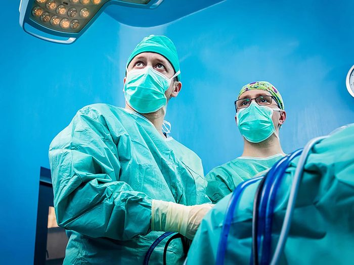 Arthroscopie du genou: plus de procédures médicales sont faites que nécessaire.