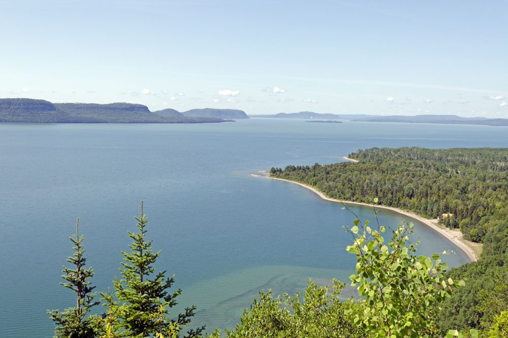 Voyagez de Sault-Sainte-Marie à Thunder Bay, en Ontario