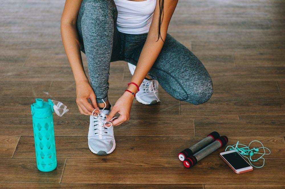 Synchronisez votre bouteille d'eau intelligente avec votre téléphone afin de toujours rester bien hydratés.