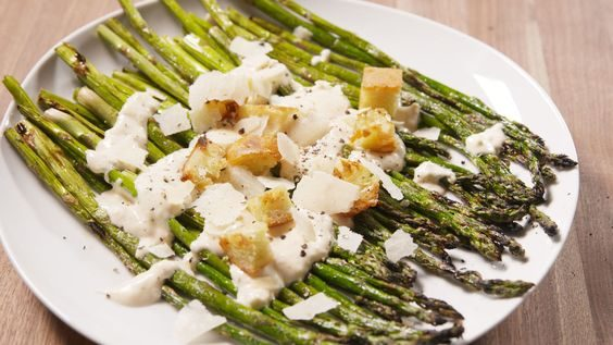 Asperges version salade César