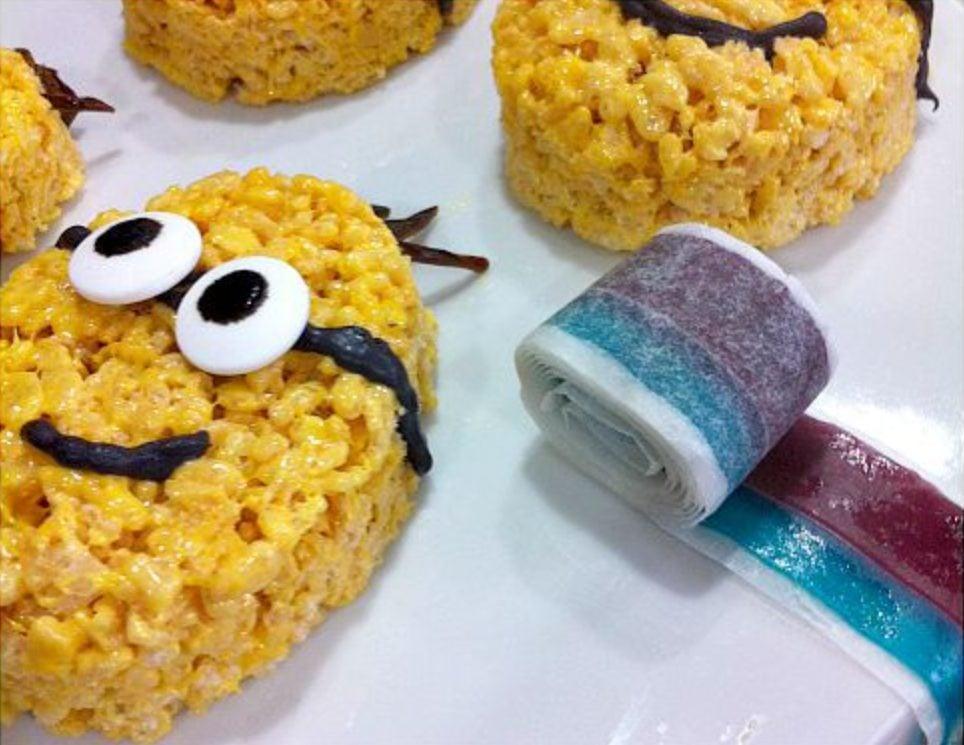 Avec la recette classique des carrés au Rice Krispies, il est possible de créer toutes sortes de choses… dont des Minions.