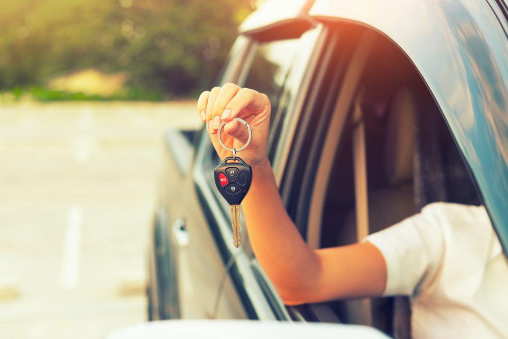 Si vous optez pour une voiture usagée, essayez d'éviter d'acheter un véhicule accidenté. Pour en avoir le coeur net, vous pouvez vous référer à la SAAQ.