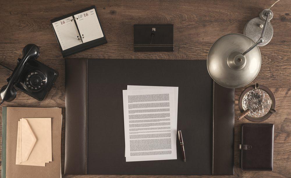 Prenez le temps de réfléchir et de rapporter une copie du contrat chez vous, afin de relire toutes les clauses attentivement.