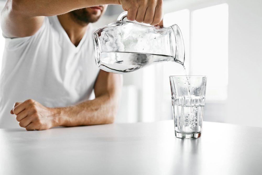 Boire plus d'eau vous aidera à avoir une meilleure concentration.