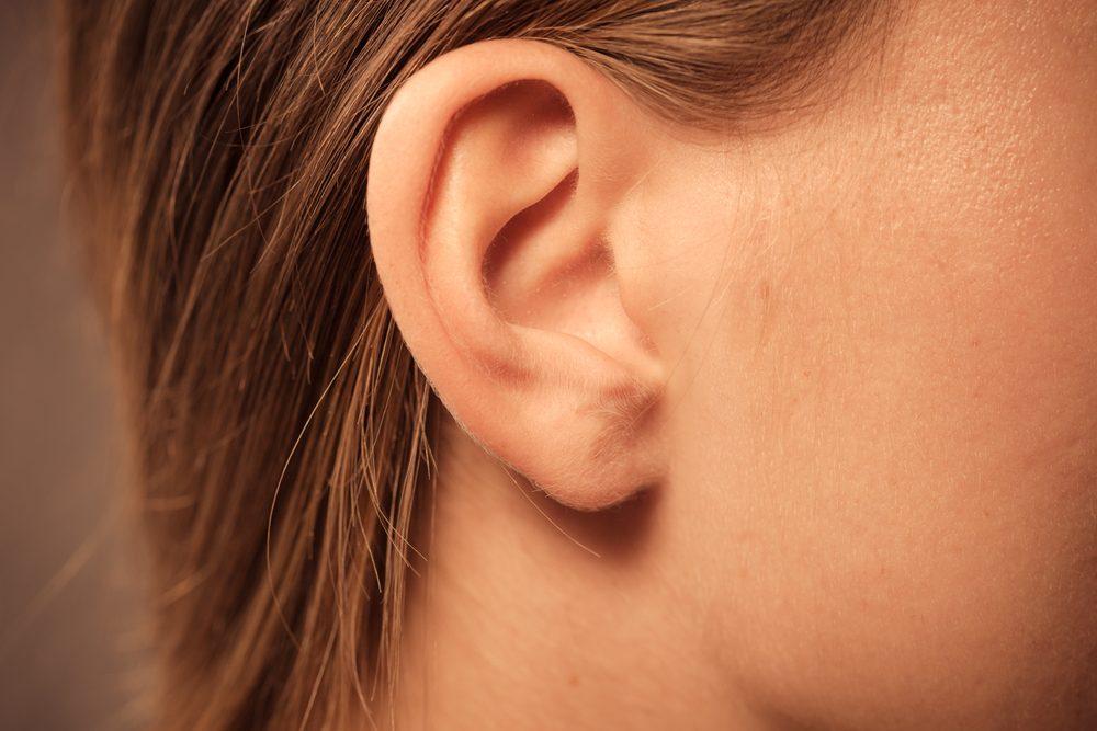La Porte du Ciel est un point d'acupression qui se trouve dans le haut de l'oreille, à l'intérieur du bord ourlé de l'oreille.