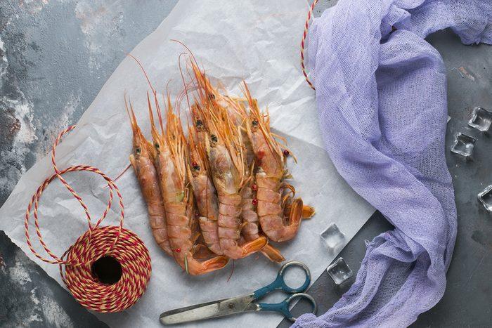 La langouste est la femelle du homard et la langoustine, leur fille?