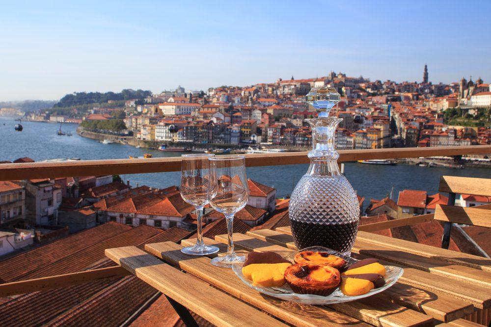 Le tourisme viticole au Portugal est bien développé. Le pays offre une grande variété de vins, au grand plaisir de ses visiteurs.