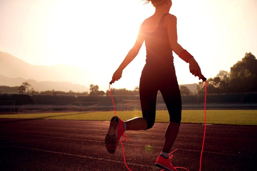 Le saut à la corde est un bon moyen de remplacer la course à pied.