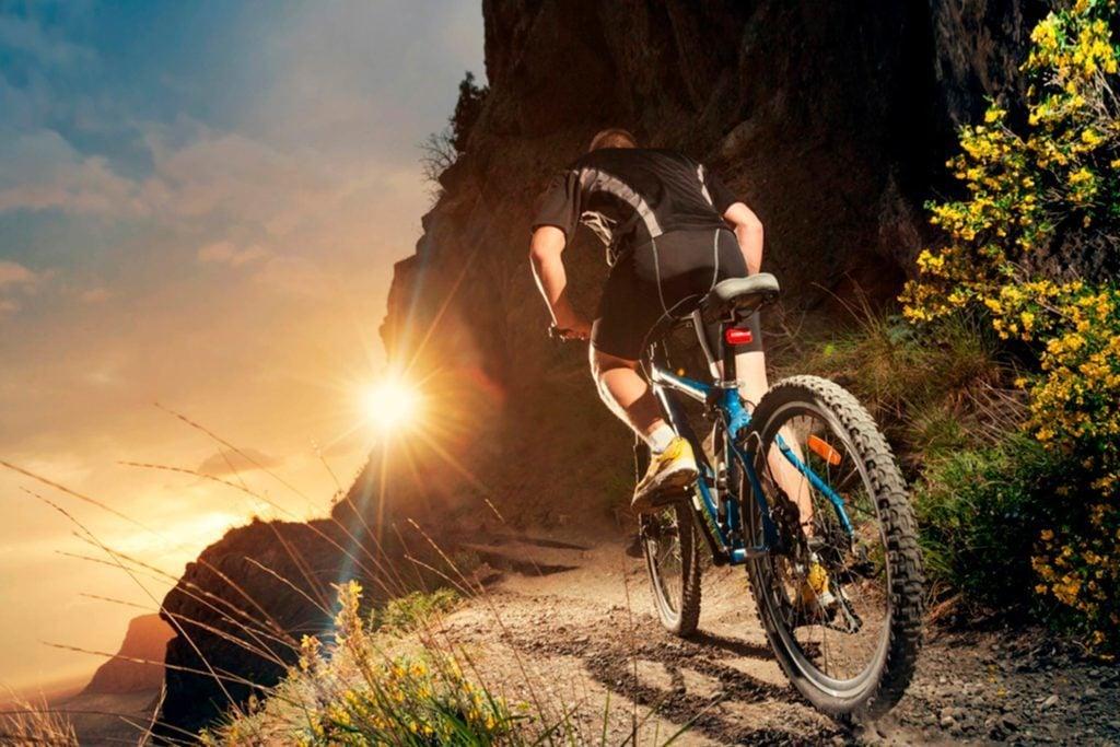 Les amateurs de vélo de montagne sont des gens spontanés, tolérants au risque et axés sur la performance.