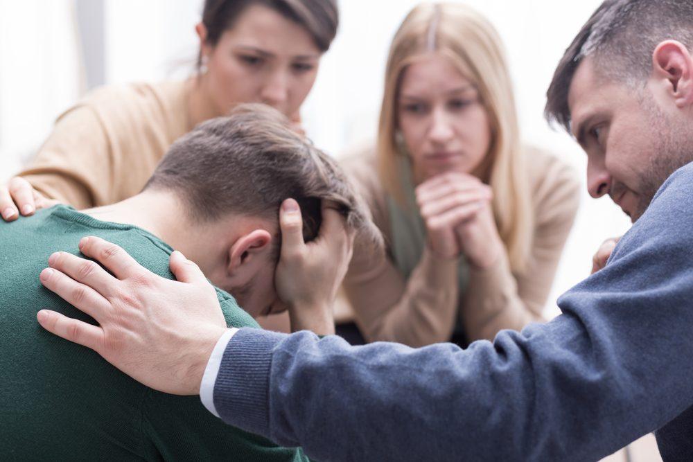 Aller chercher un support moral et parler de notre trouble d'anxiété à des gens de confiance est un pas dans la bonne direction.