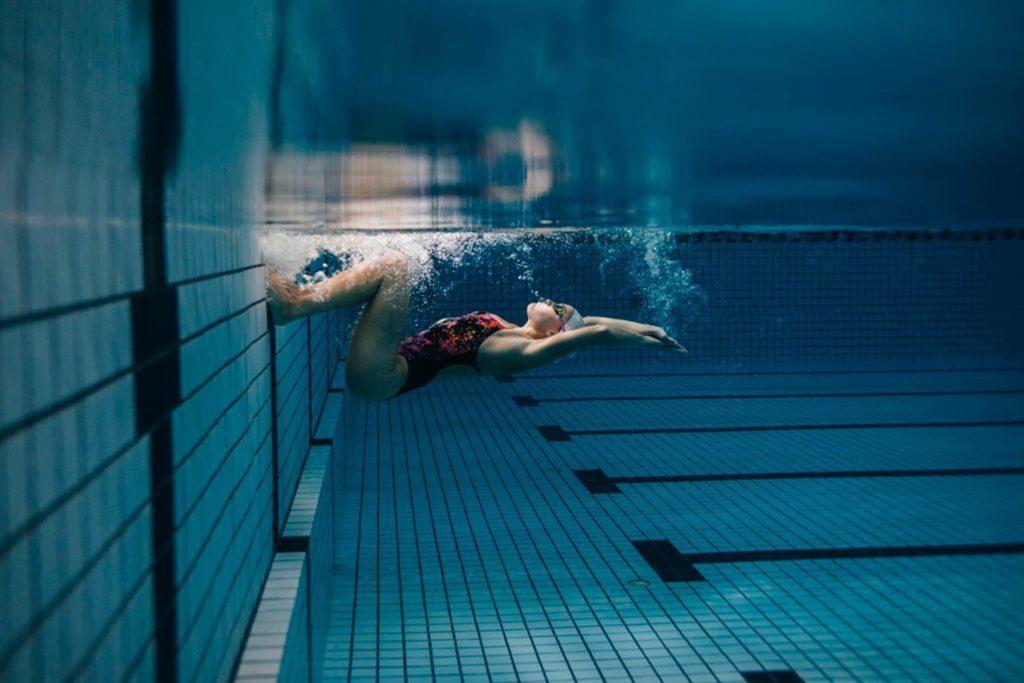Les nageurs sont libres de tout conflit interne; ils aiment autant être en groupe que seul.