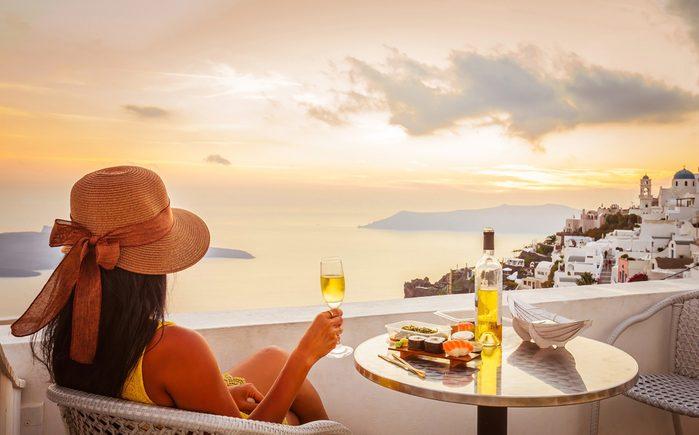 La Grèce est un incontournable dans le monde des vins et les accords mets et vins avec sa cuisine si particulière sont nombreux.