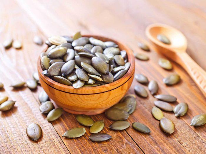 Aliment riche en fer: les graines de citrouilles.