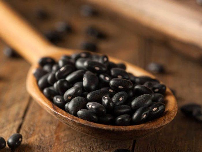 Aliment riche en fer: les haricots noirs.