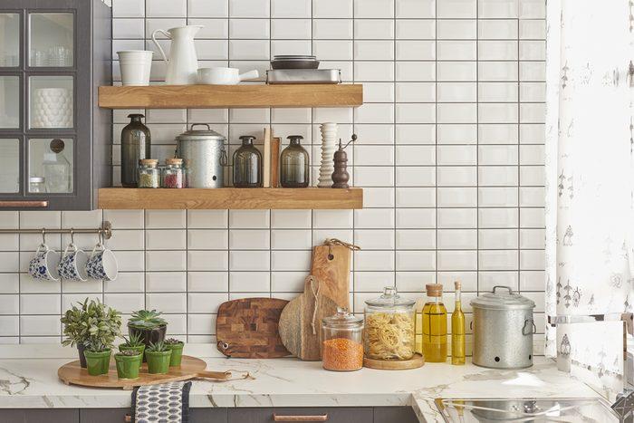 Pour épurer la maison, faire le ménage de la cuisine