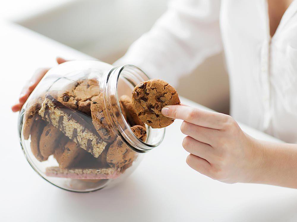 Pour maigrir, demandez-vous pourquoi vous ressentez le besoin de manger des biscuits.