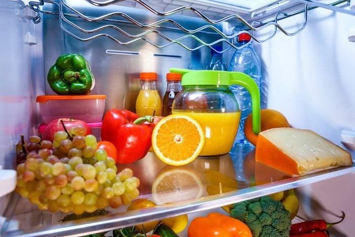 Nettoyer le frigo pour désencombrer la maison