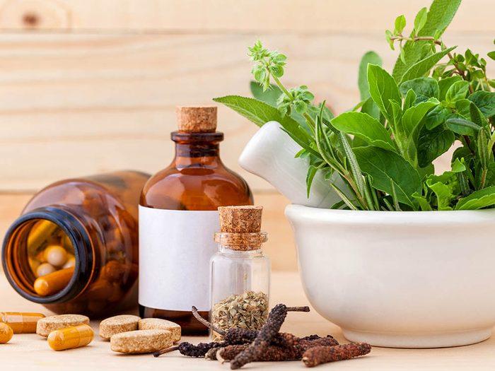 Vos médicaments sont parfois incompatibles avec des remèdes naturels.