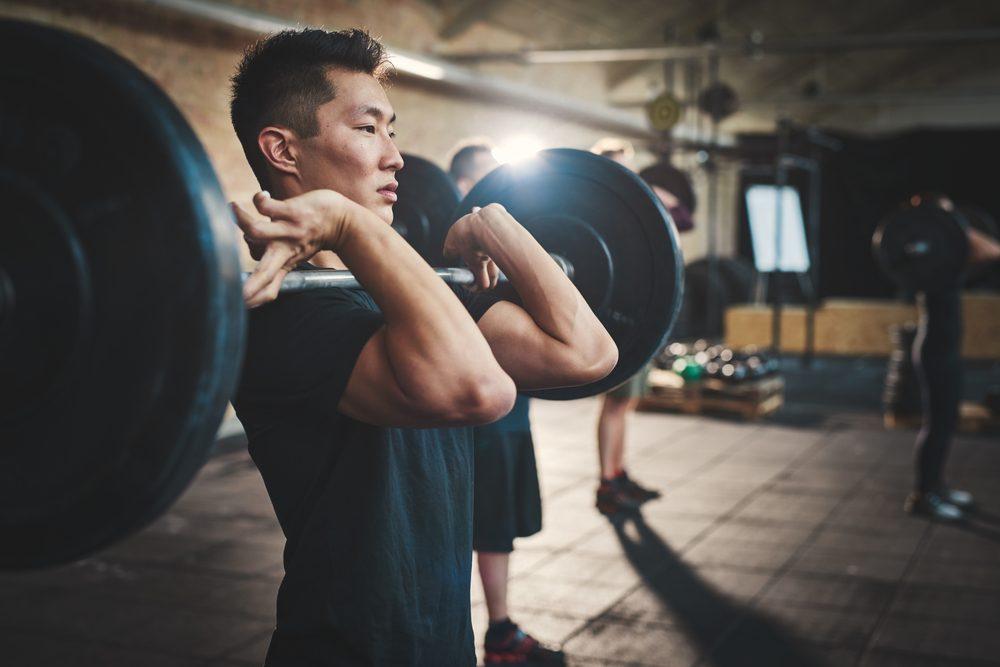Soulever des poids peut remédier à la baisse de testostérone.