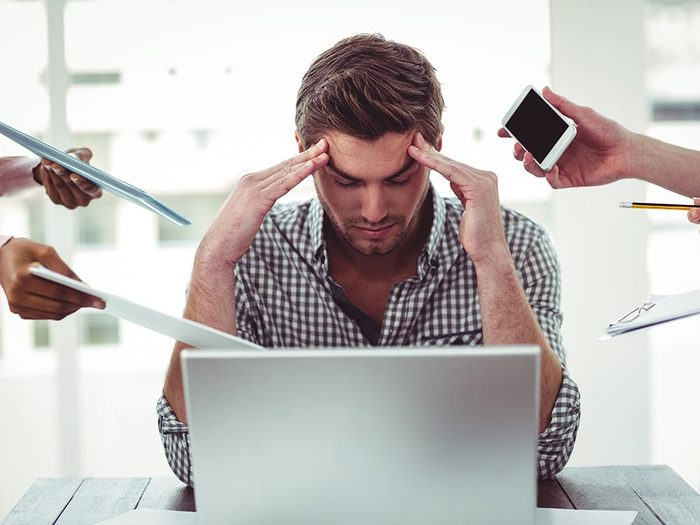 Source de stress: les dérangements au travail.