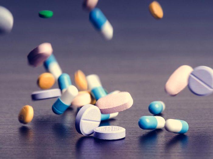 Assurez-vous que la médication pour le TDAH n'interfère par avec d'autres médicaments que prend votre enfant.