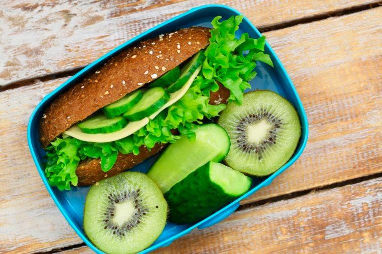 e fait de sauter un repas est probablement pire que la plupart des autres facteurs déclencheurs de maux de tête.