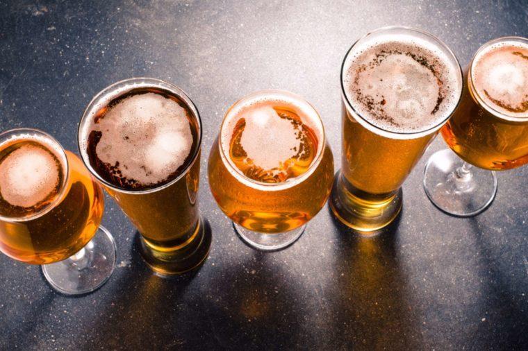 La bière peut déclencher des maux de tête.