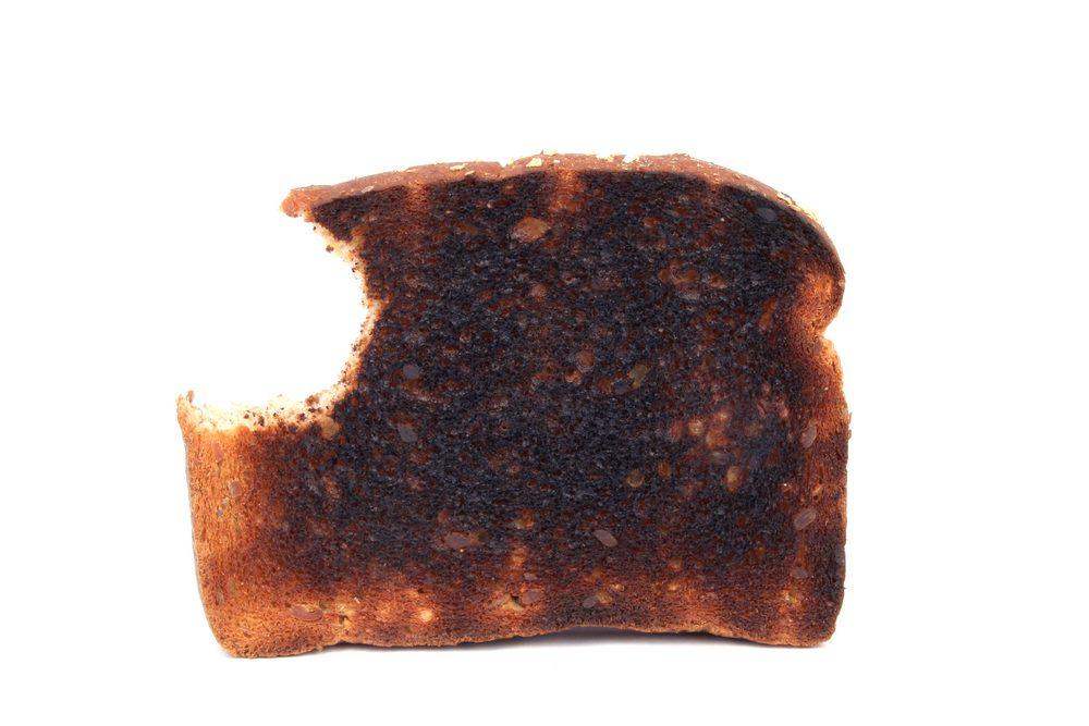 Une rôtie brûlée pour soulager les maux de ventre