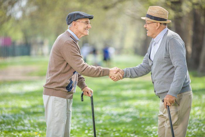 Être bien entouré serait le secret de la longévité.