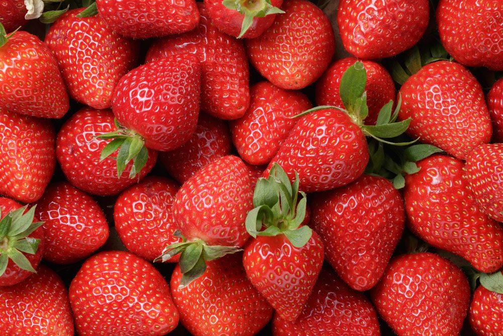 Les fraises non biologiques sont connues comme étant le fruit contenant le plus de pesticides.