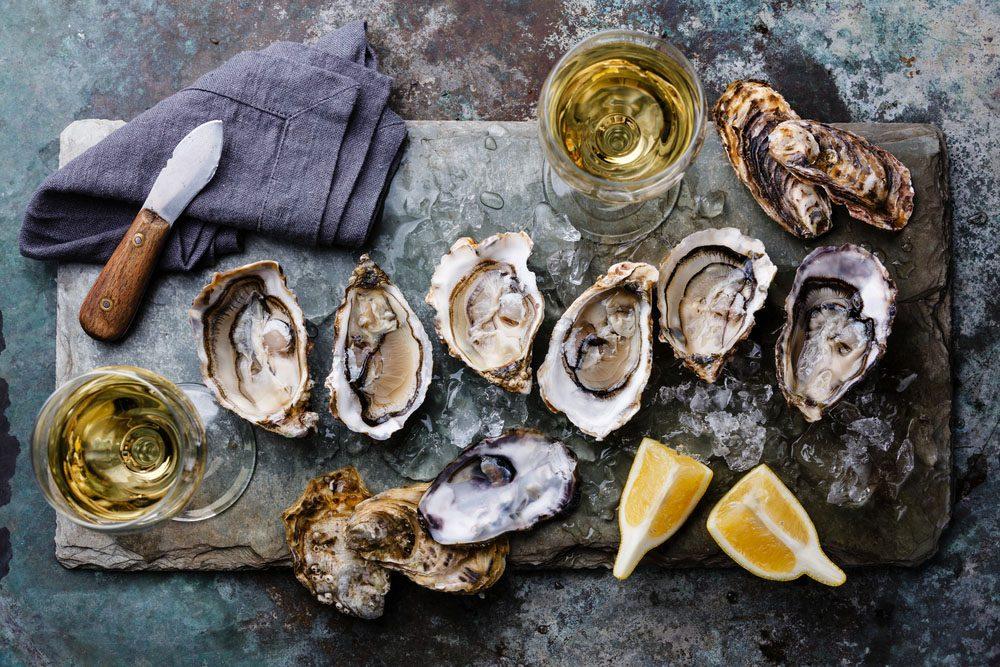 Les fruits de mer crus peuvent être porteurs de virus qui atteignent votre appareil digestif.