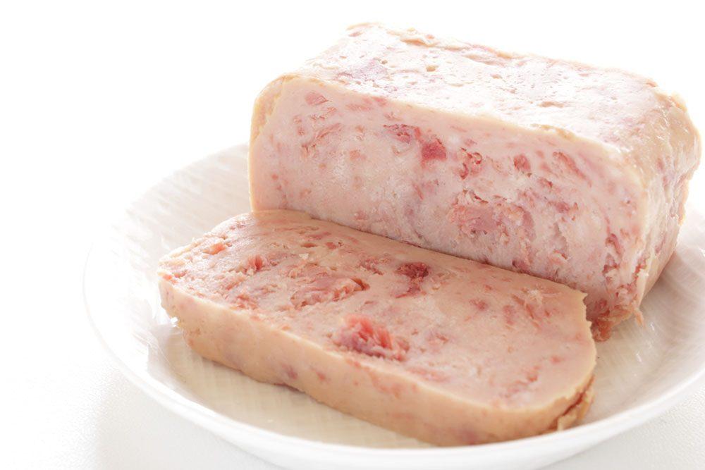 La viande en boîte est remplie de conservateurs, de sodium et d'on ne sait quoi!