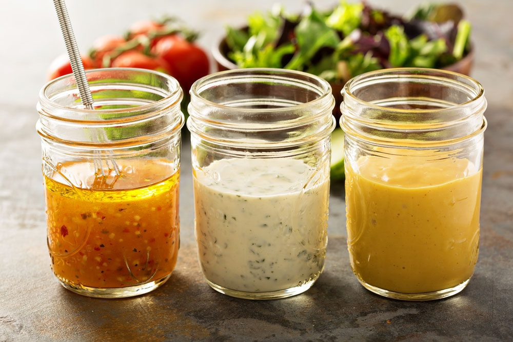 La vinaigrette allégée n'est pas un choix santé, puisque le gras est remplacé pas d'autres ingrédients artificiels pour lui donner un goût comparable.